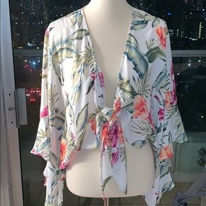 White Floral tie front top Size S Forever 21